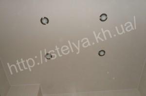 натяжной потолок в санузлее